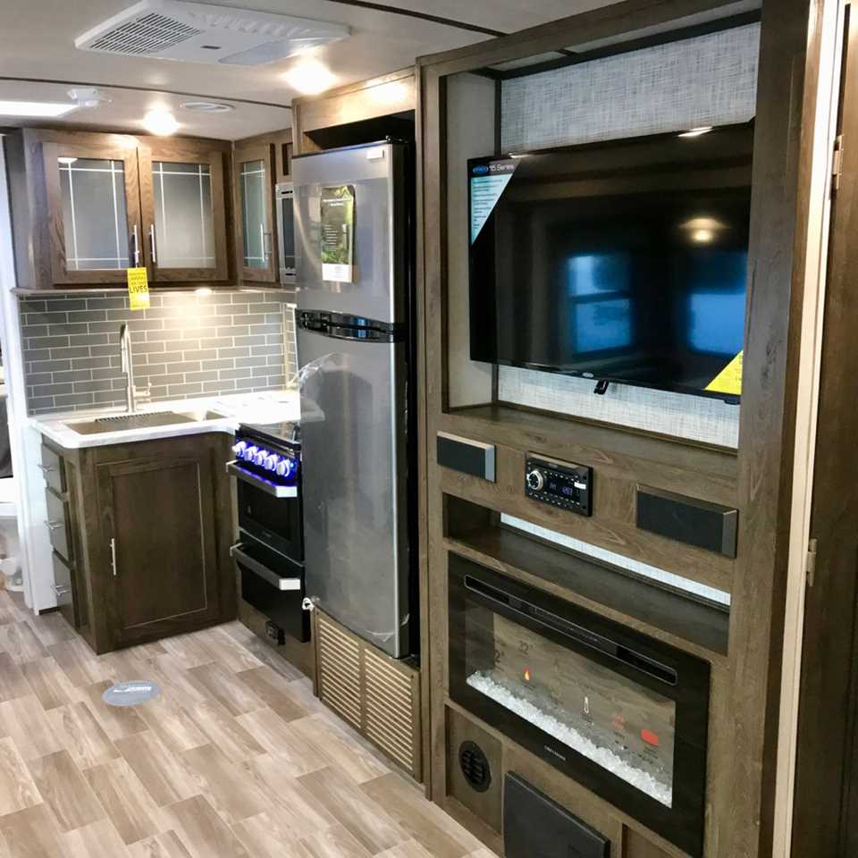 New 2019 Forest River Hemisphere Glx 322bh Travel Trailer