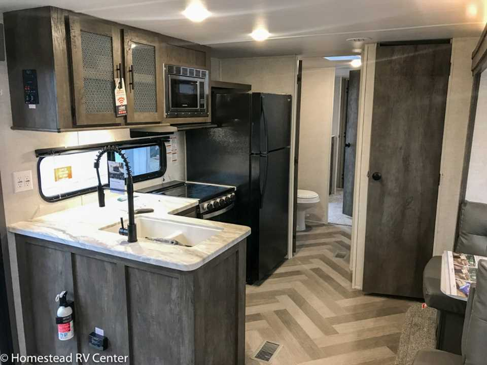 New 2020 Forest River Salem 36vbds Travel Trailer Stock